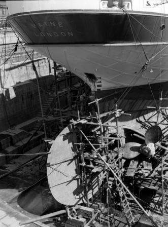 RFA Maine4 in dry dock at Kure 1950
