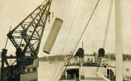 Lifting Nuculas Funnel 2 in March 1925