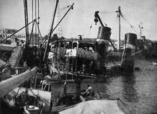 Suez_Canal_Tug_Hurcule_during_final_stage_of_salvage